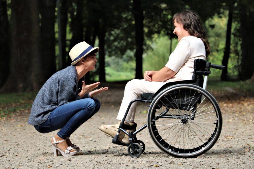 6 maneras de ayudar a las personas con discapacidades